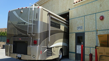auto body unlimited repairs paints RV's Motorhomes