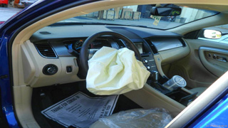 air bag replacement on 2013 ford taurus commercial fleet air bag repair from www.thecrashdoctor.com photo
