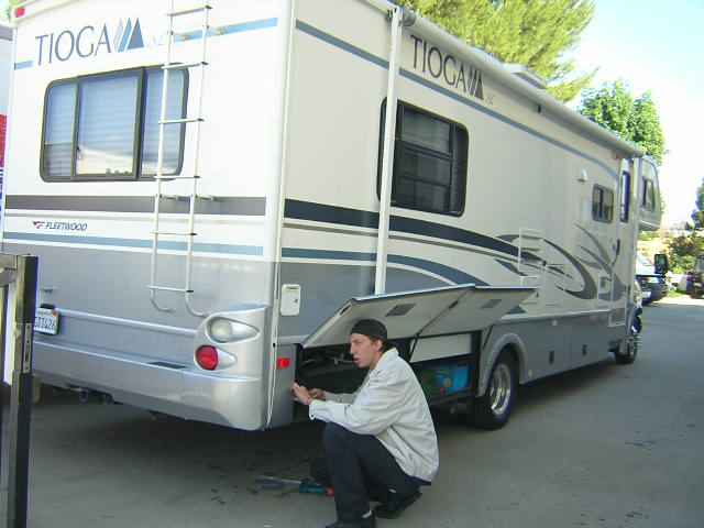 motorhome repair and paint image thecrashdoctor.com